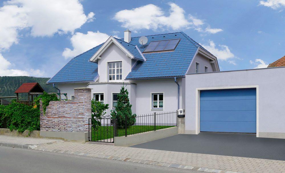 Egyedi kék színű ECOTOR garázskapu