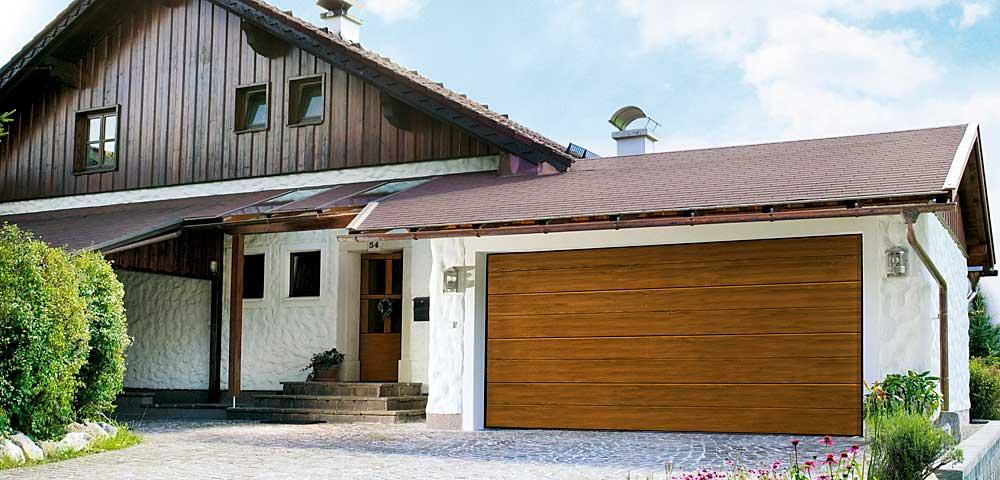 DITEC és ECOTOR szekcionált és távirányítású garázskapuk hőszigetelt szendvicspanelkkel, illetve fadekor vagy valódi fa garázskapupanelekkel
